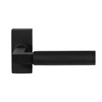 GPF8213.01 zwarte deurkruk Kuri op rechthoekige rozet