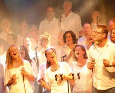 The Young Church Singers treden op bij Ten Hulscher