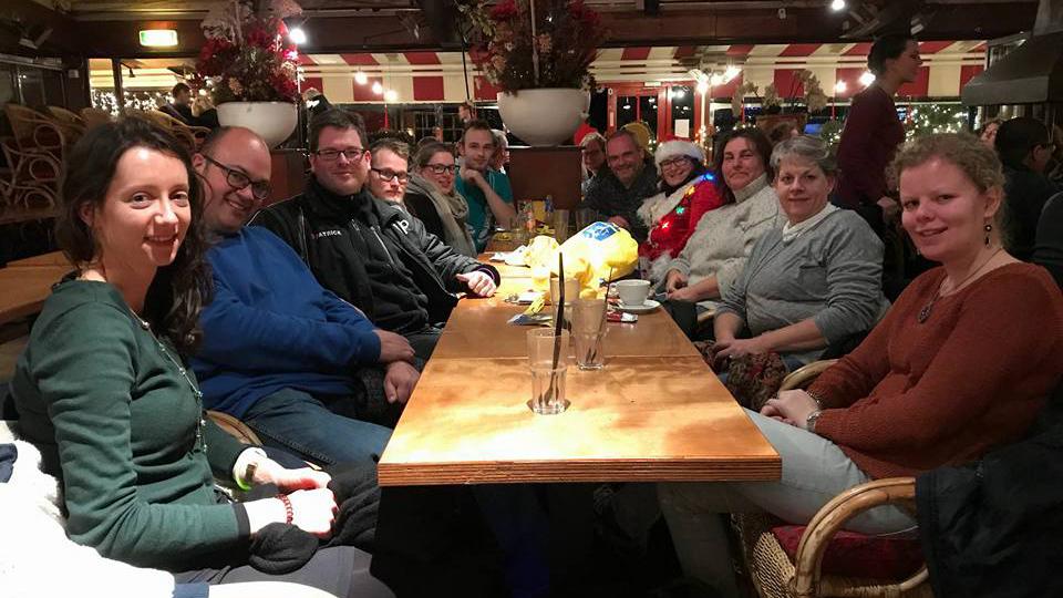 Medewerkers Ten Hulscher en Gerritse Den Haag Elandstraat tijdens Lichtjeswandeling Scheveningen