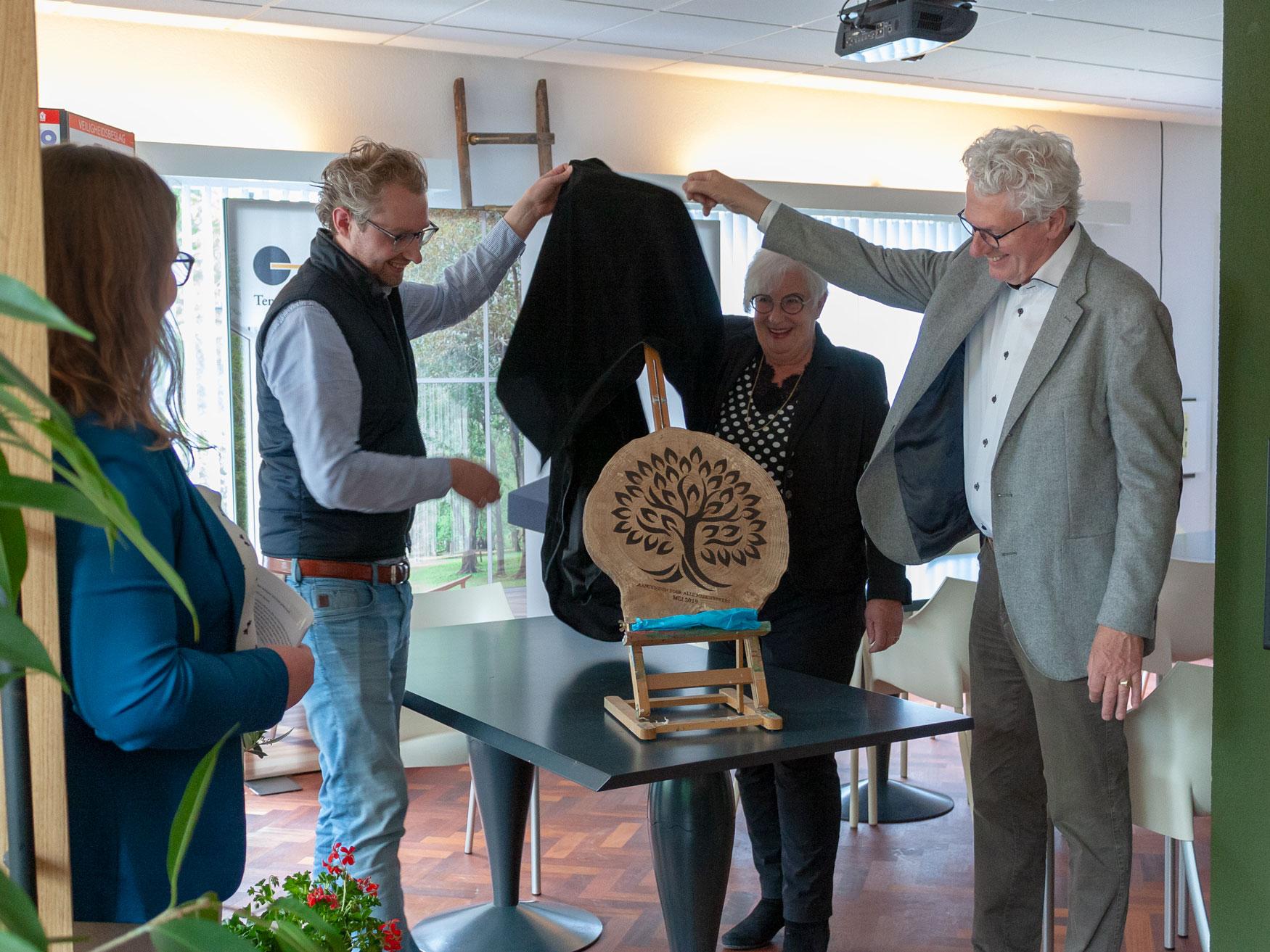 Feestelijke opening van grand café Anastasius voor medewerkers